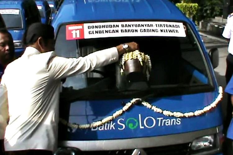 Peningkatan Pelayanan Angkutan Feeder atau Angkutan Pengumpan