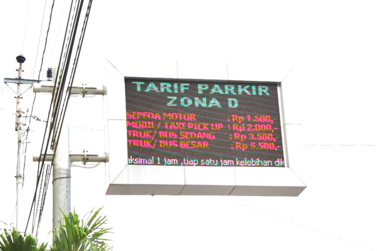 PROGRAM Tarif Parkir di Surakarta Berdasarkan Zona